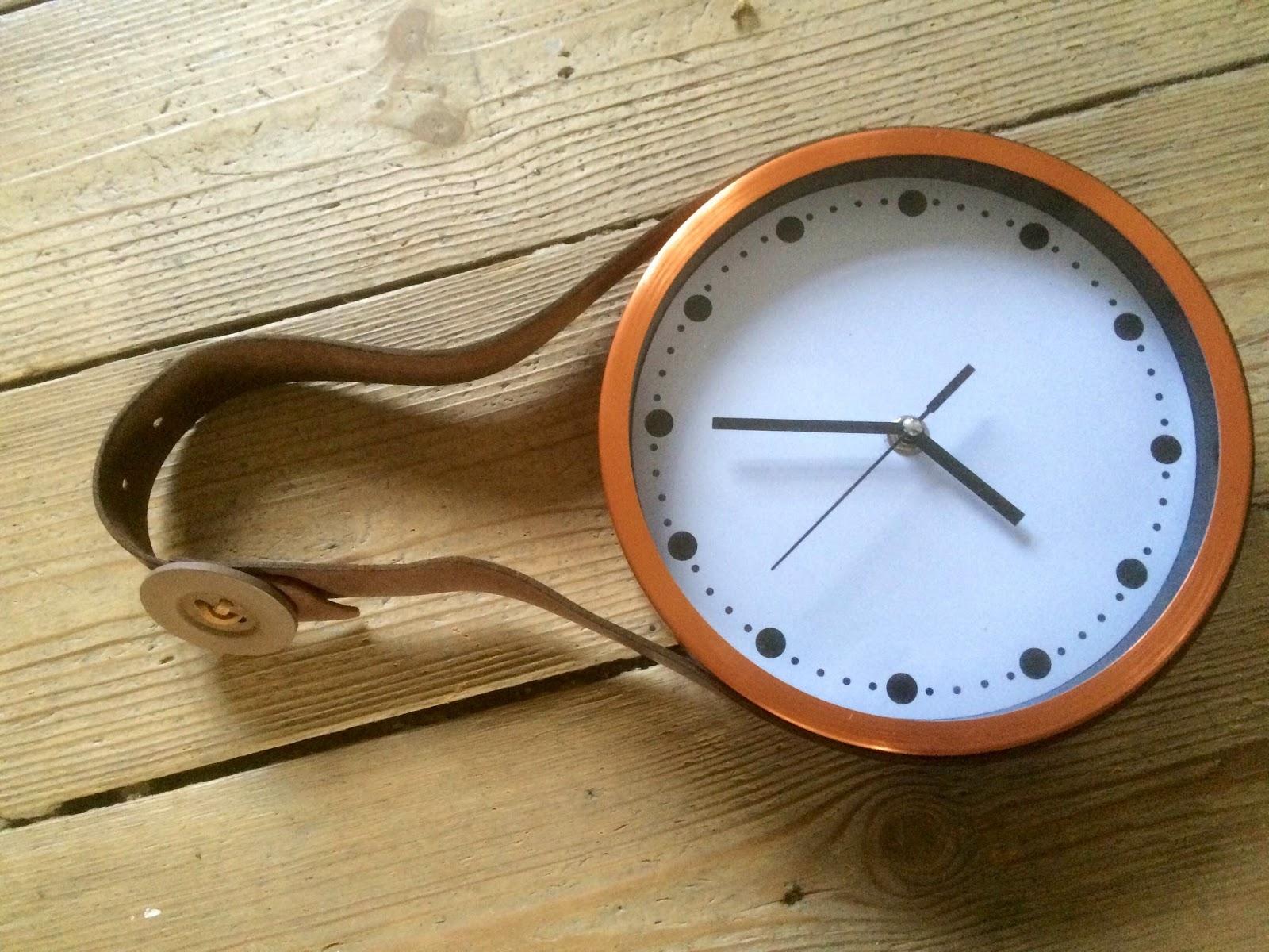 Kobberfarvet ur