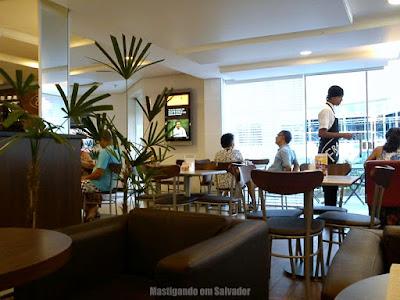 Fran's Café: Ambiente interno da loja de Ondina