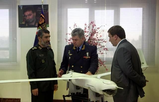 """كلاشنكوف"" تنتج طائرات تحلق بدون ضجيج Iran+Presents+Copy+of+ScanEagle+Drone+To+Russian+Military"