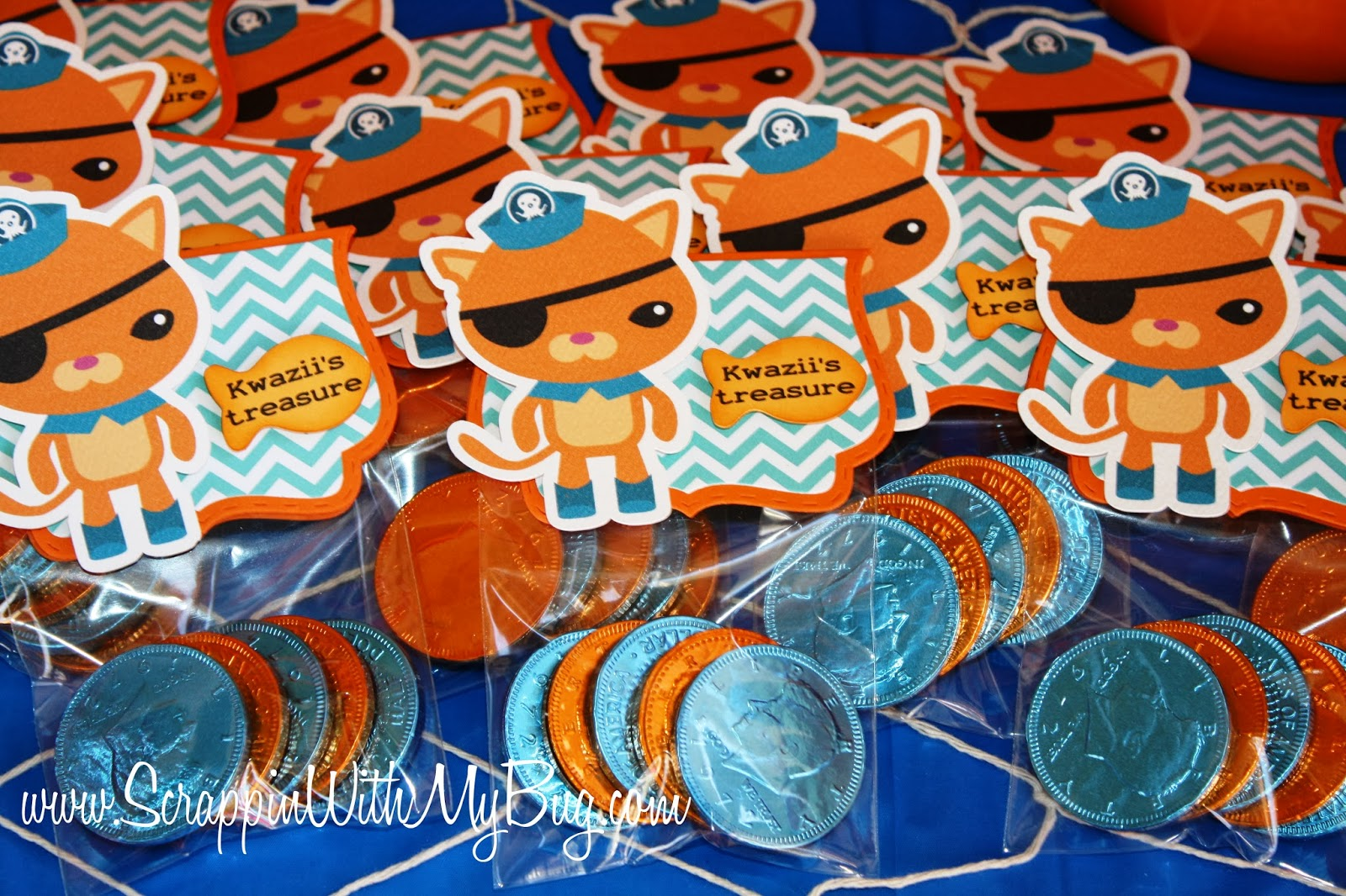 Scrappin with my bug Octonaut Party ! & Scrappin with my bug: Octonaut Party !!!!