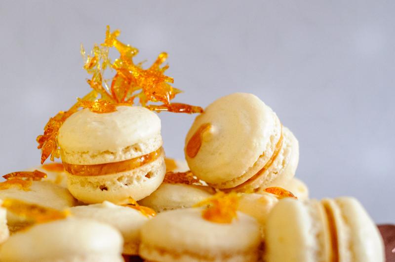 Mini-Macarons  Salz-Karamell-Creme  Hagebutten  Kupfer - pigugi.blogspot.com