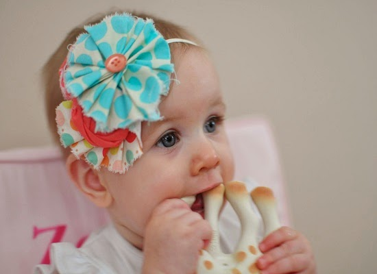 Image adorable d'un bébé fille