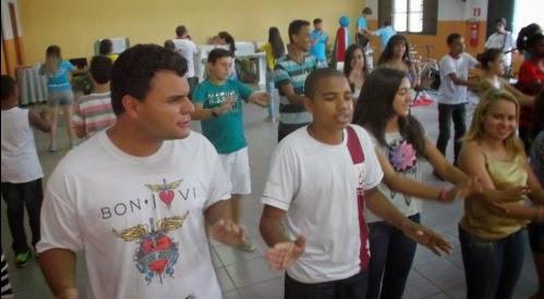 Jovens celebram o Dia Mundial das Missões em Varginha (MG)
