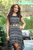 Jiya New Hot pics at Fashion Exhibition launch-thumbnail-13