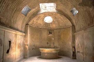 calidarium posto dotato di acqua calda e vapore nelle terme romane del passato