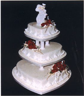 pictures of wedding cakes,wedding cake pictures,wedding cake decorations,wedding cake,heart shaped wedding cake