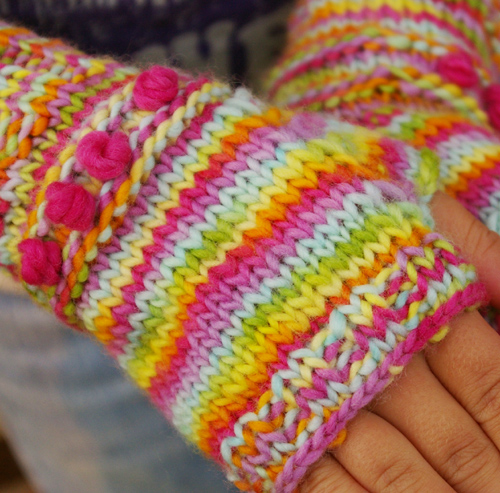 Knitting Pattern Gloves Child : Tutorial for Warm Knitted Fingerless Gloves - The Magic Onions