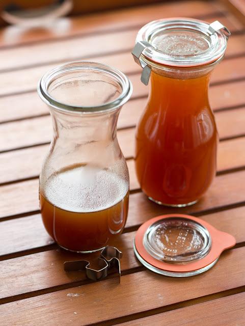 frisch gekochter Pumkin Spice Sirup für den Kaffee