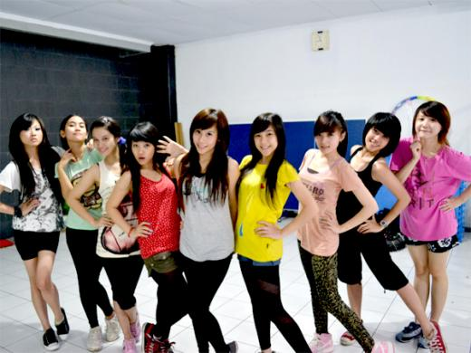 Free Image Cherry Belle Indonesian Girls Band 2011