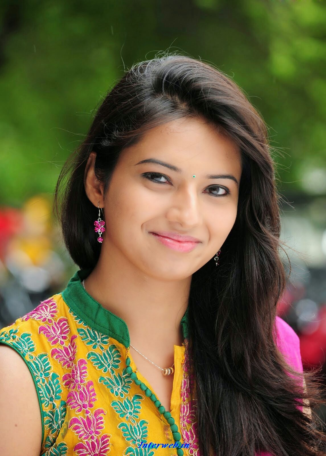 Isha Chawla Hot Indian Actress Beautiful Photos Collection
