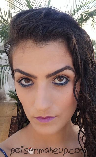 maquiagem-com-lapis-mega-impact-azul-marinho