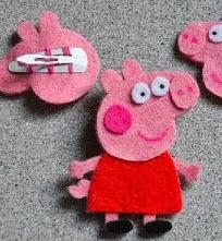 http://manualidadesreciclables.com/14822/pilla-pelos-de-ranitas-de-peppa-pig
