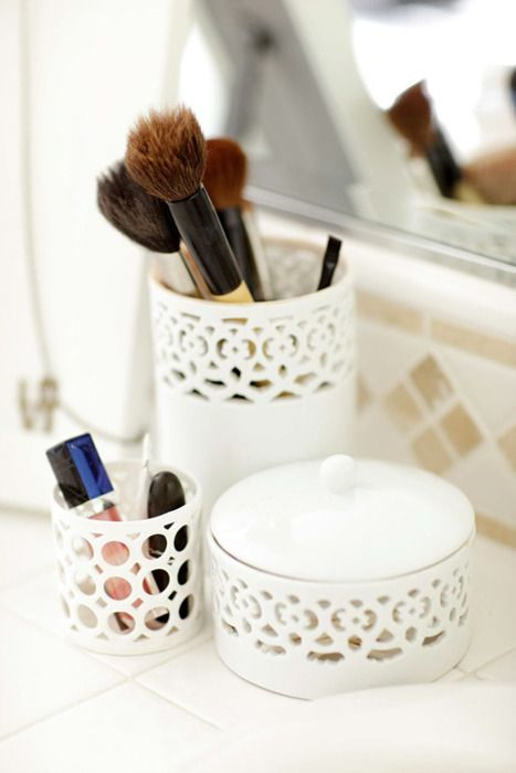 Lilia rangement makeup inspirations - Rangement acrylique ikea ...