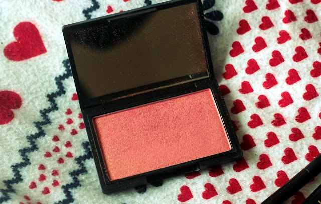 sleek rose gold blush blogger
