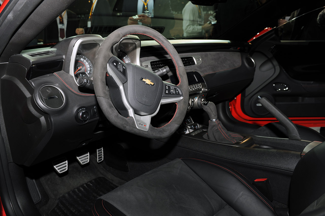 2012 CHEVROLET CAMARO ZL1 INTERIOR DESIGN