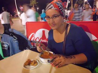 Degustant la harira amb chebakkia
