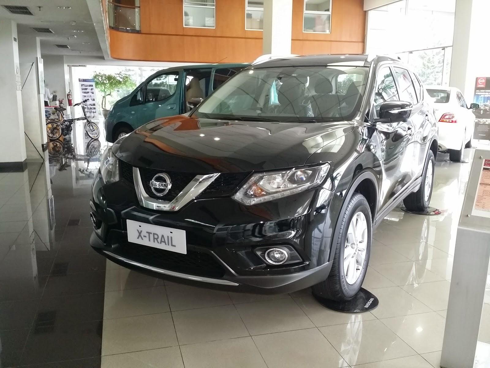 Nissan New Xtrail warna Hitam