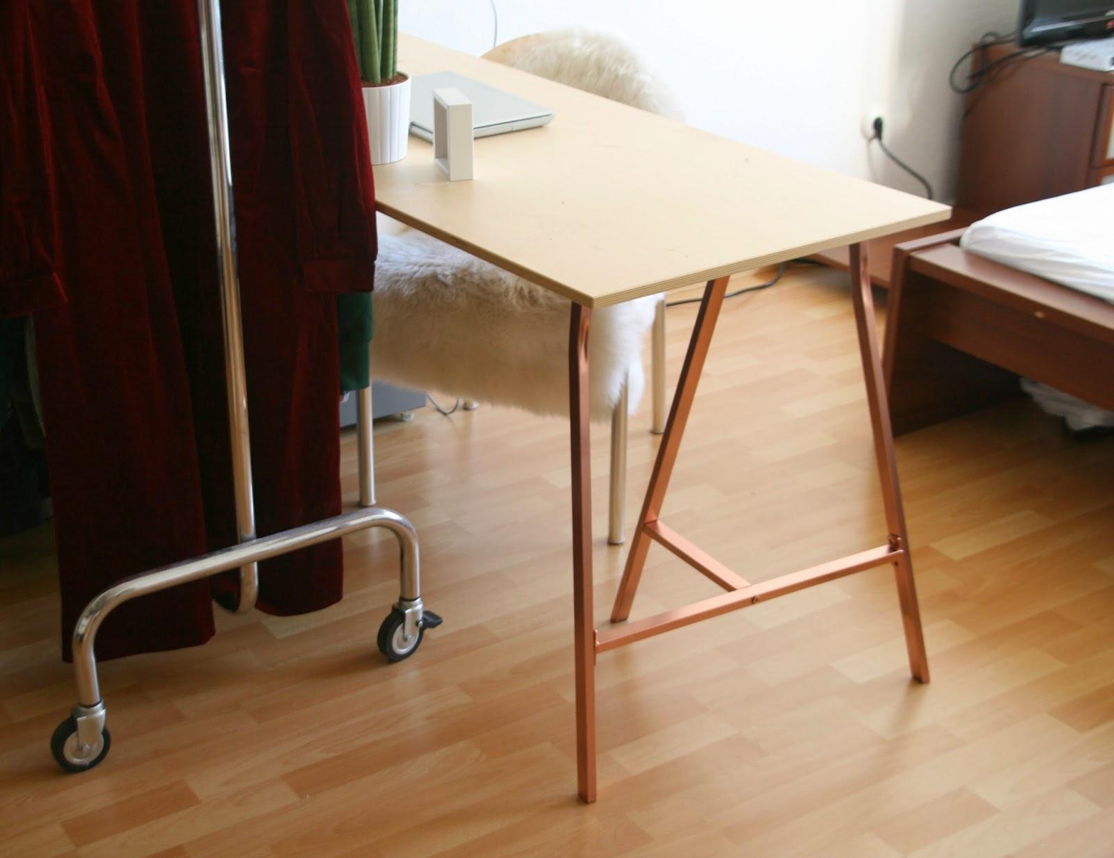 kleine schreibtische f r wenig platz schreibtisch matty. Black Bedroom Furniture Sets. Home Design Ideas