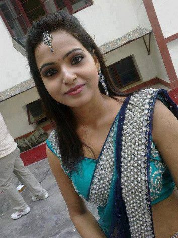Hot Indian Girls In Saree22 - Mature Dating Online Advantages and disadvantages