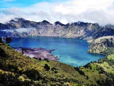 Gambar Pemandangan Alam Indonesia Danau Segara Anak (Lombok)