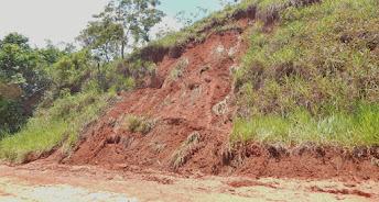 Temporal de domingo provocou deslizamento de encosta na RJ 230 serrana