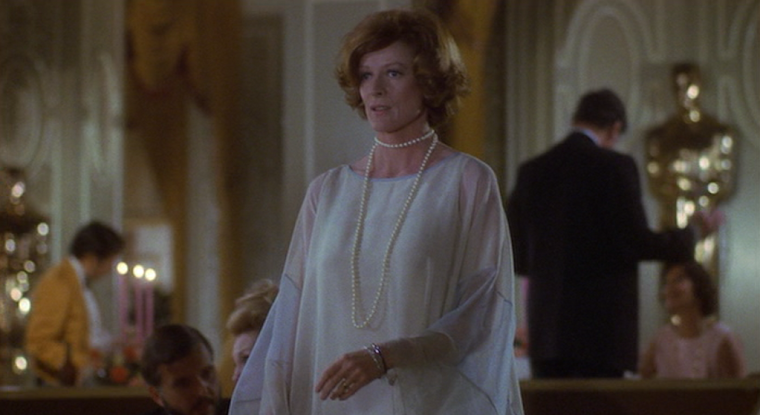 MAGGIE SMITH in CALIFORNIA SUITE