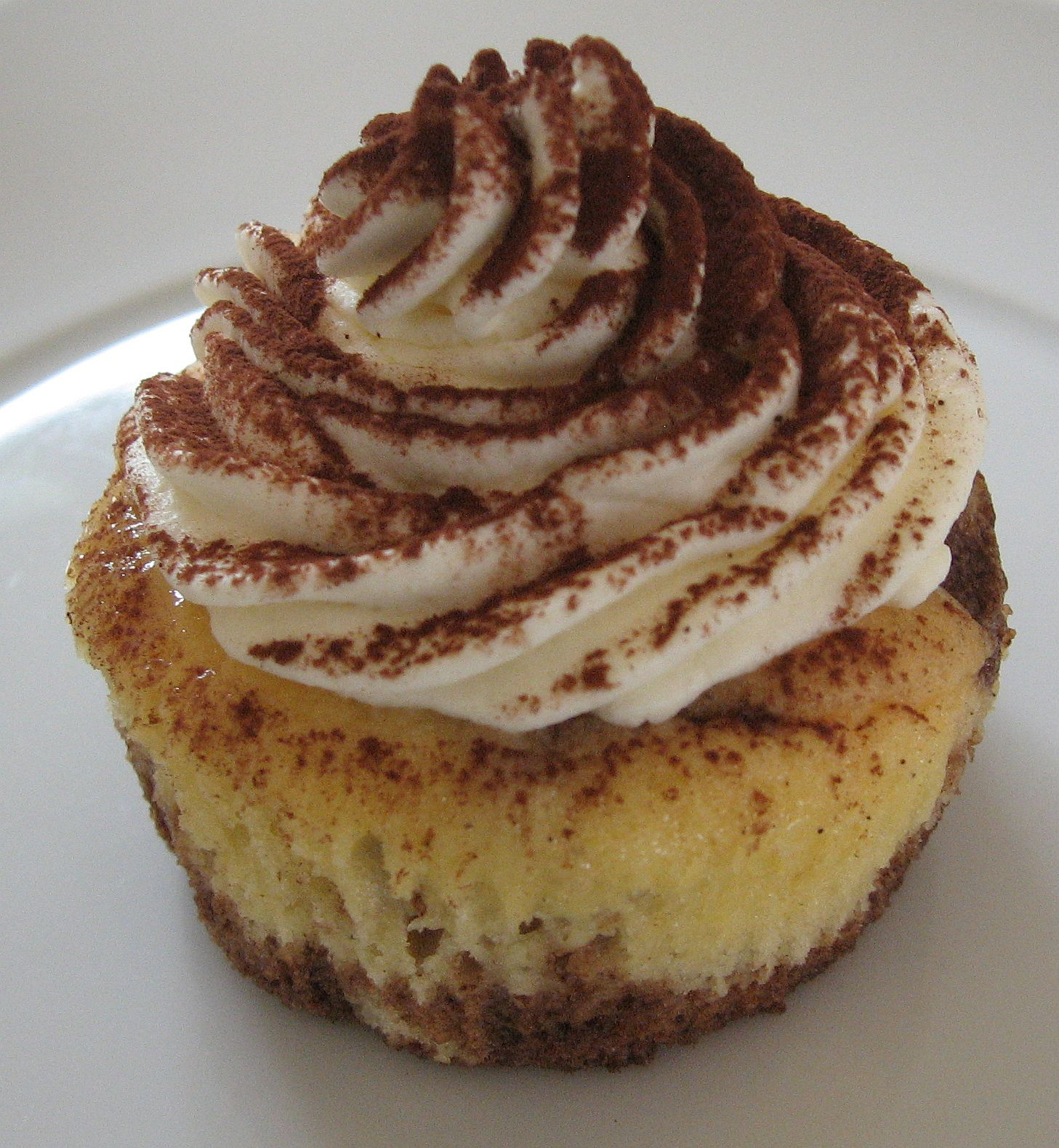 Tiramisu Cupcakes Recipe — Dishmaps