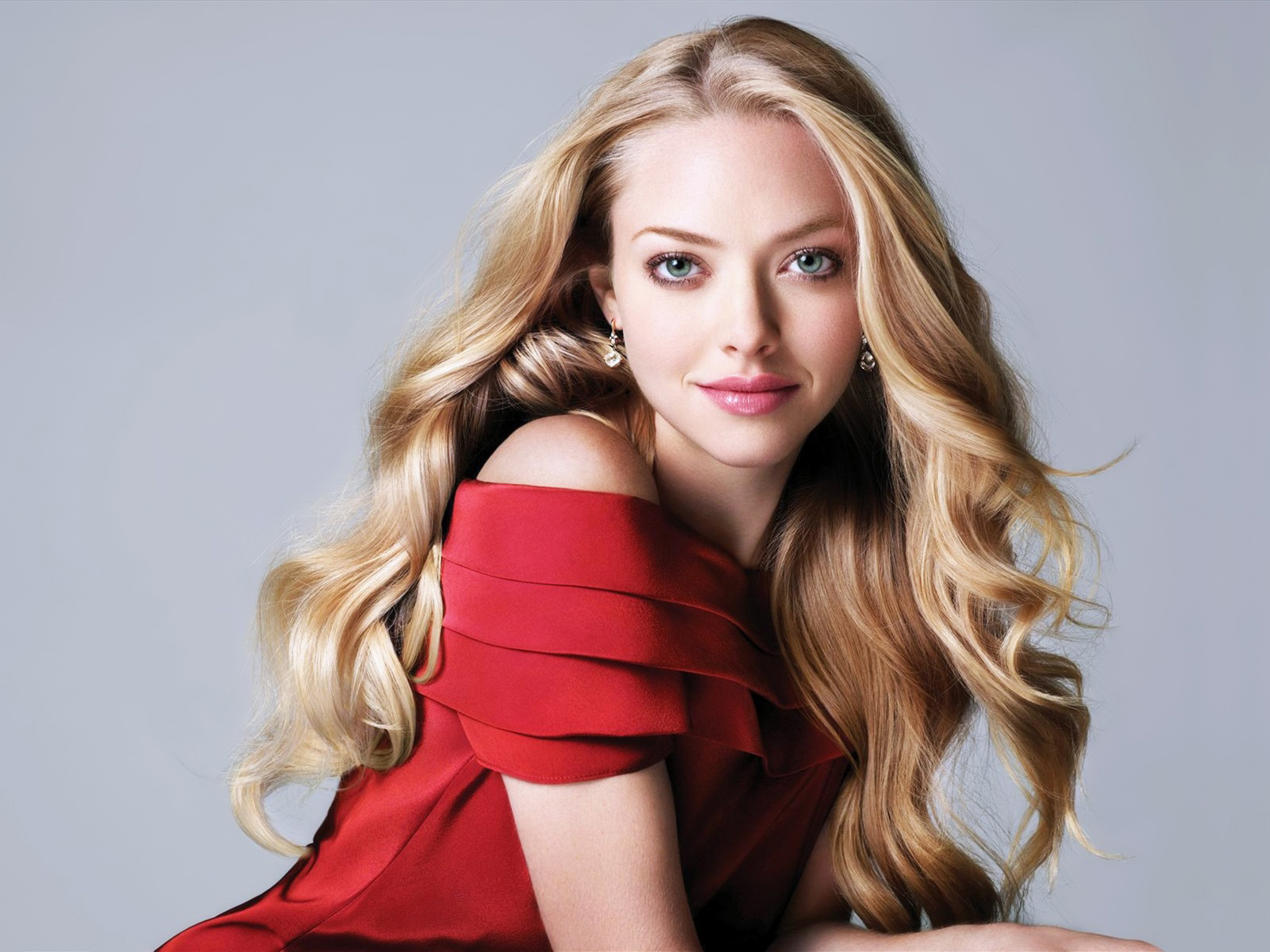 Amanda Seyfried at El Hormiguero Your Wallpaper