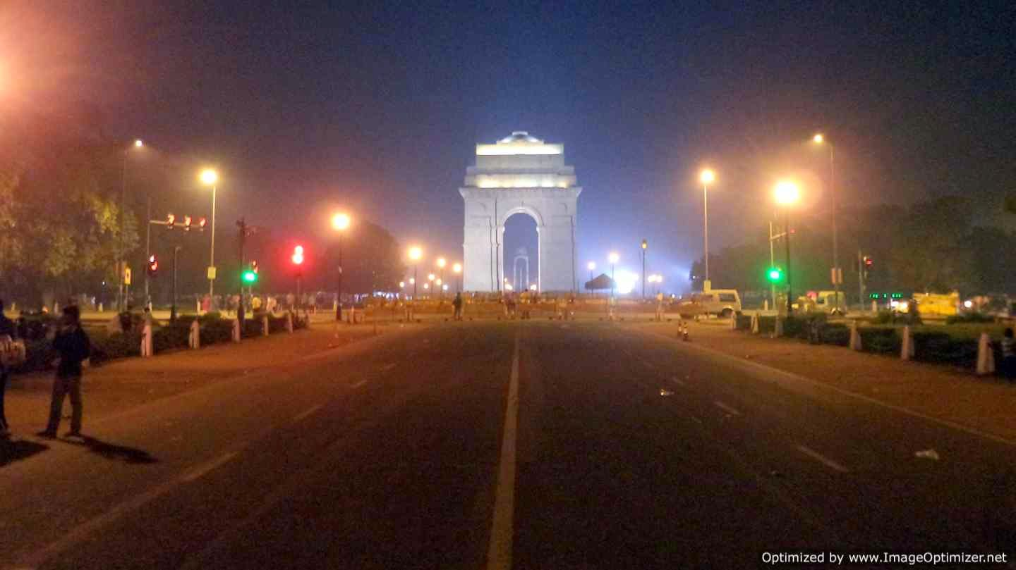 Road leading to India Gate