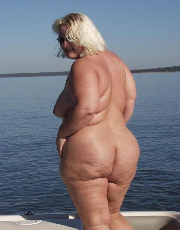 Mature Bbw At Nude Beach