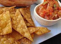Chips de Milho com Salsa de Tomate