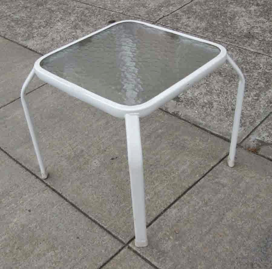 Uhuru furniture amp collectibles sold glass top patio end table 7