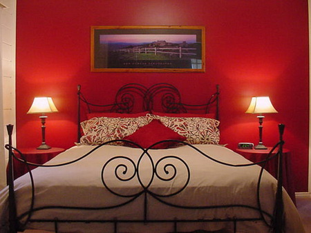 How to Decorate Master Bedroom Walls - Home Decor Decorating