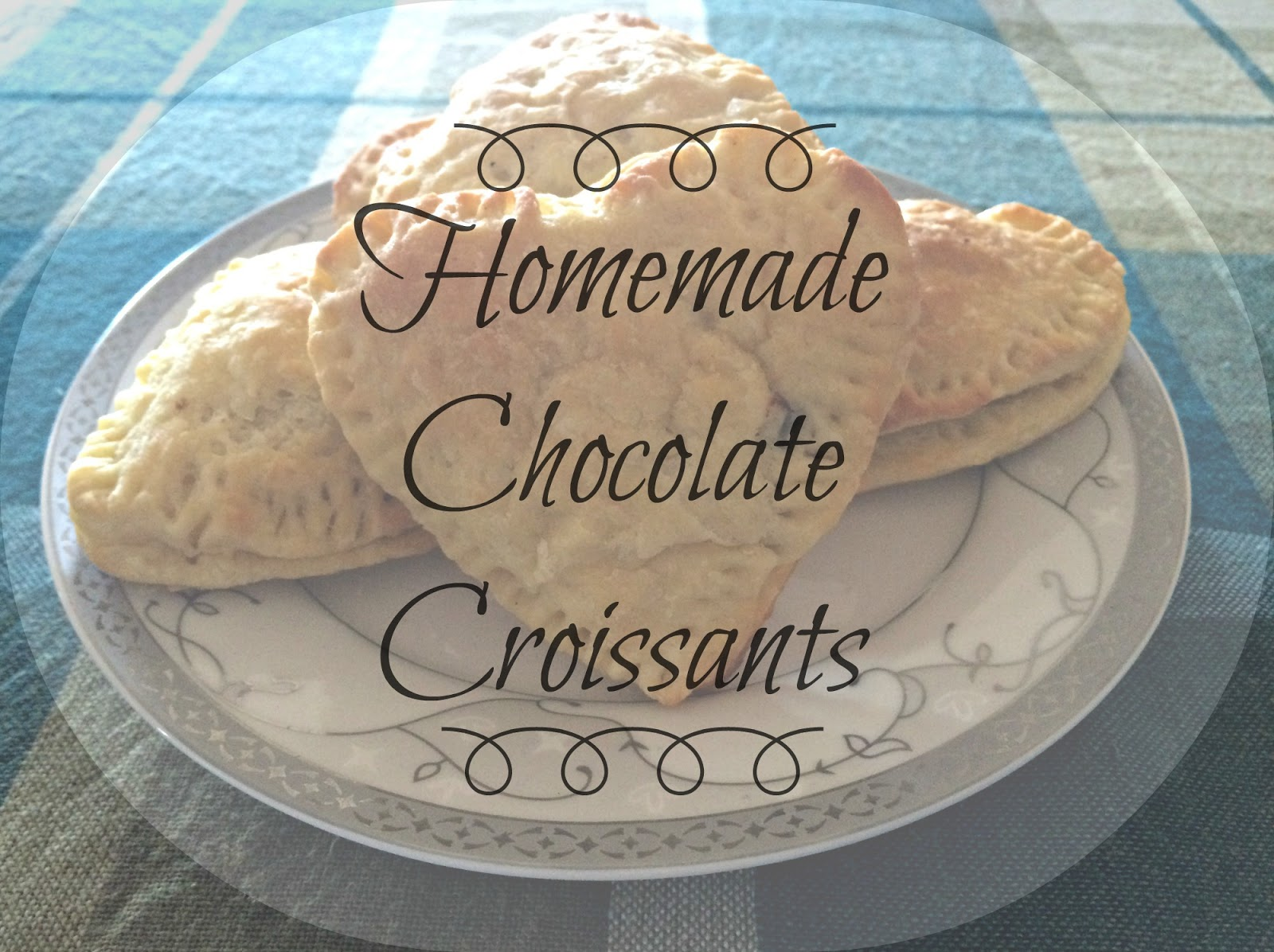 Cookbook #3 : Homemade Chocolate Croissants | www.bubblybeauty135.com