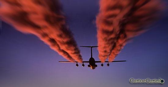 Veneno no céu? aviões do governo estão pulverizando química misteriosa sobre nós?