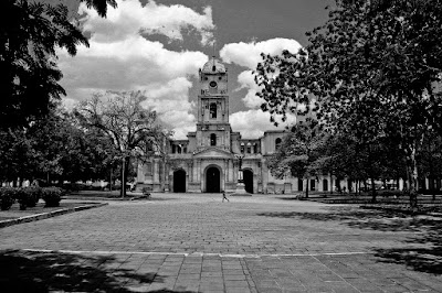 Iglesia de San José (Holguín, Cuba), by Guillermo Aldaya / PhotoConversa
