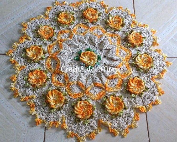 "Centro de Mesa de Crochê com flor Crista de Galo ~ ""Crochê da Mimi"""