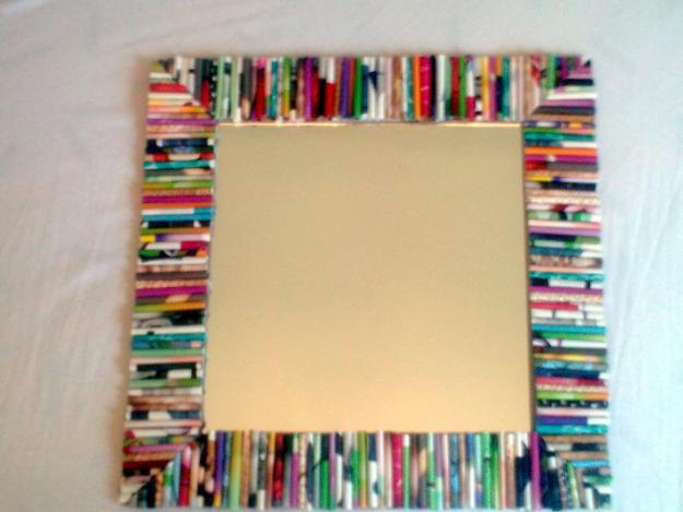 Total trucos truco para hacer un marco para fotos reciclable for Como hacer un espejo con marco de madera