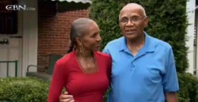 Meet Ernestine Shepherd, 74-Year-Old Woman with a Six-Pack Seen On www.coolpicturegallery.us