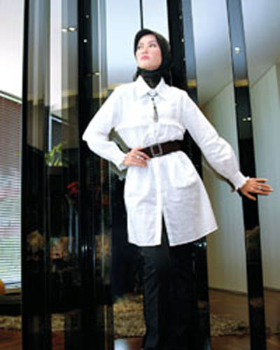 Muslimah Fashion 2012 on Fashion 2012  Islamic Dresses 2012  Designs Jilbab Modern Muslimah