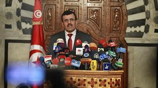Le Premier ministre tunisien, Ali Larayedh, s'exprime lors d'une conférence de presse, le 23 octobre 2013 à Tunis