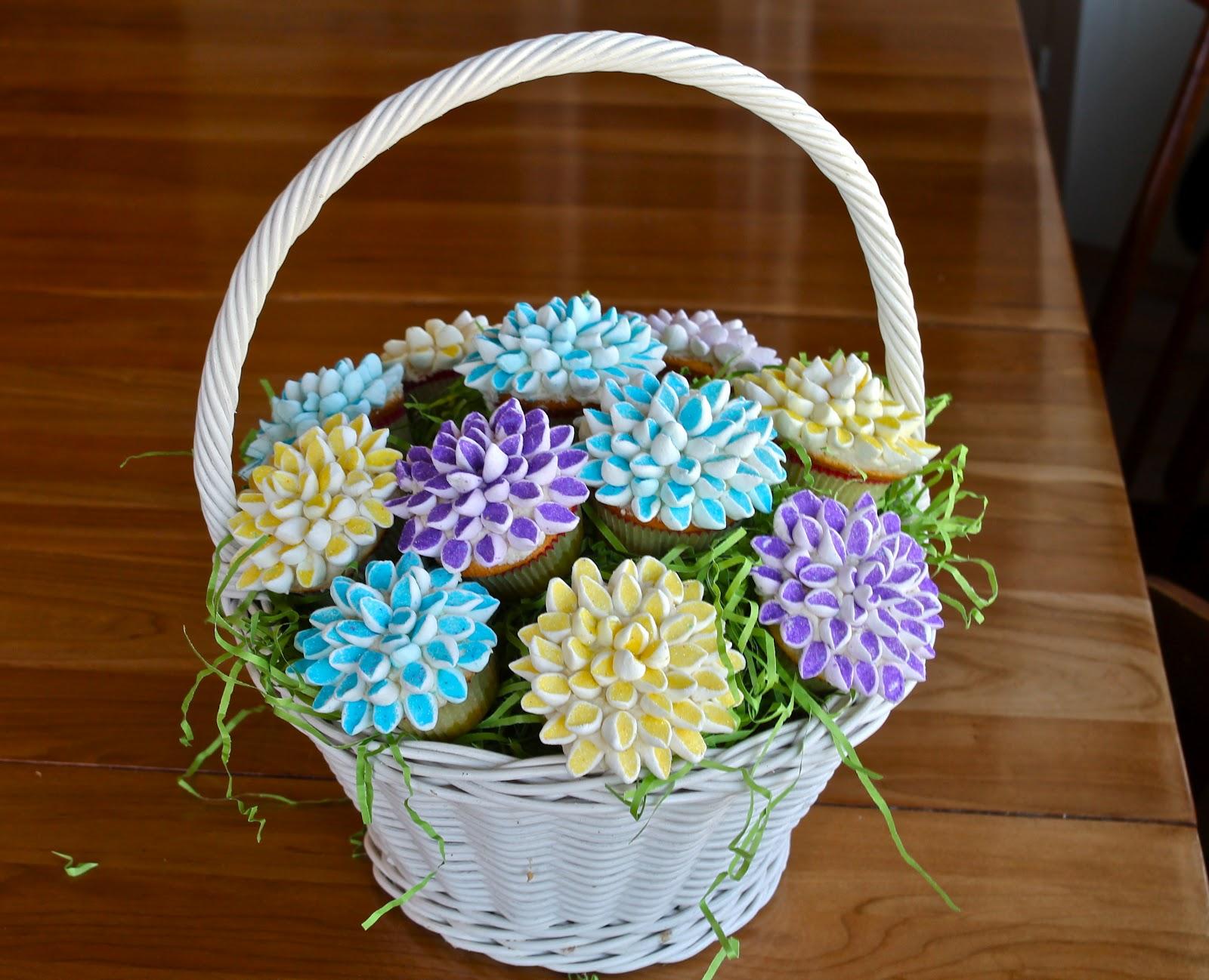 Yammies Noshery Marshmallow Flower Cupcakes