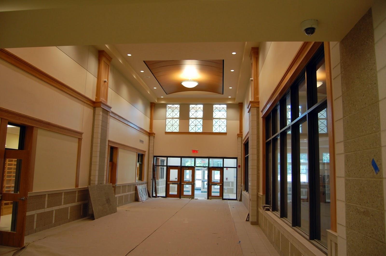 Main entrance corridor - Corridor entrance ...