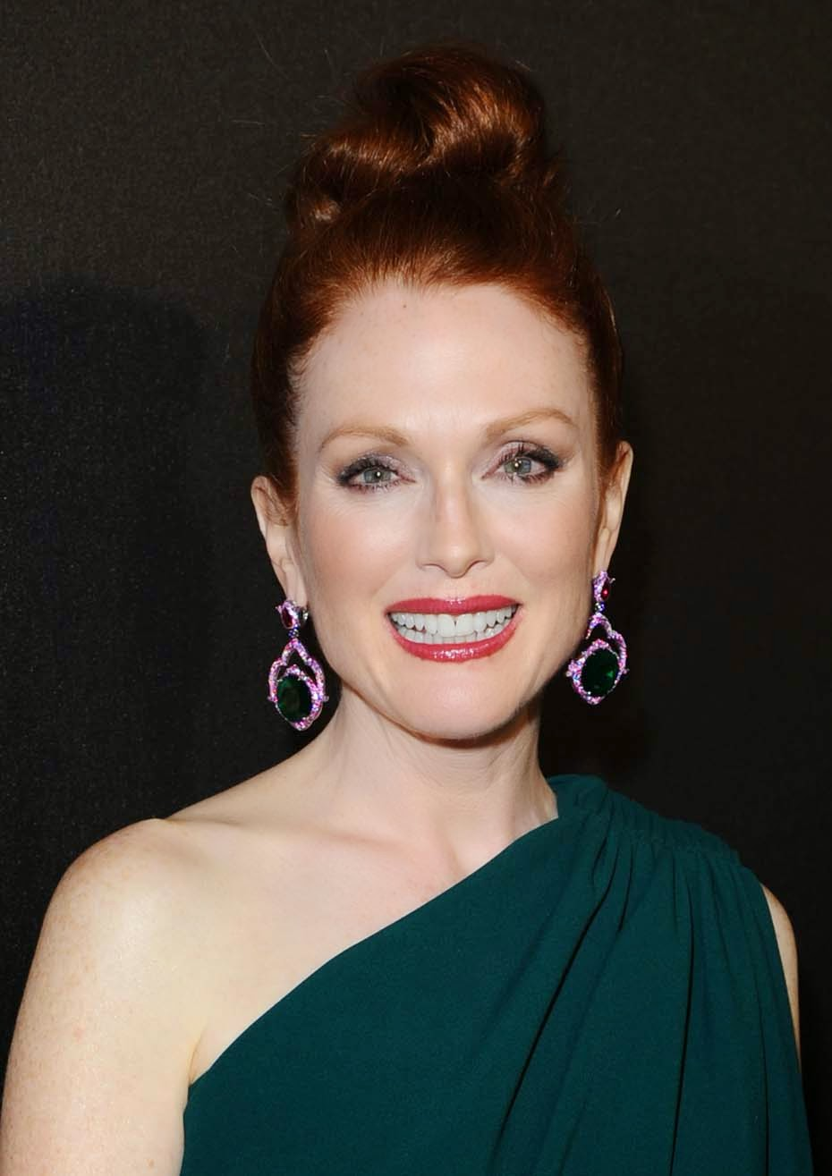 Julianne Moore, Cannes 2014, Chophard, Emeralds, pink Sapphires, Rubies