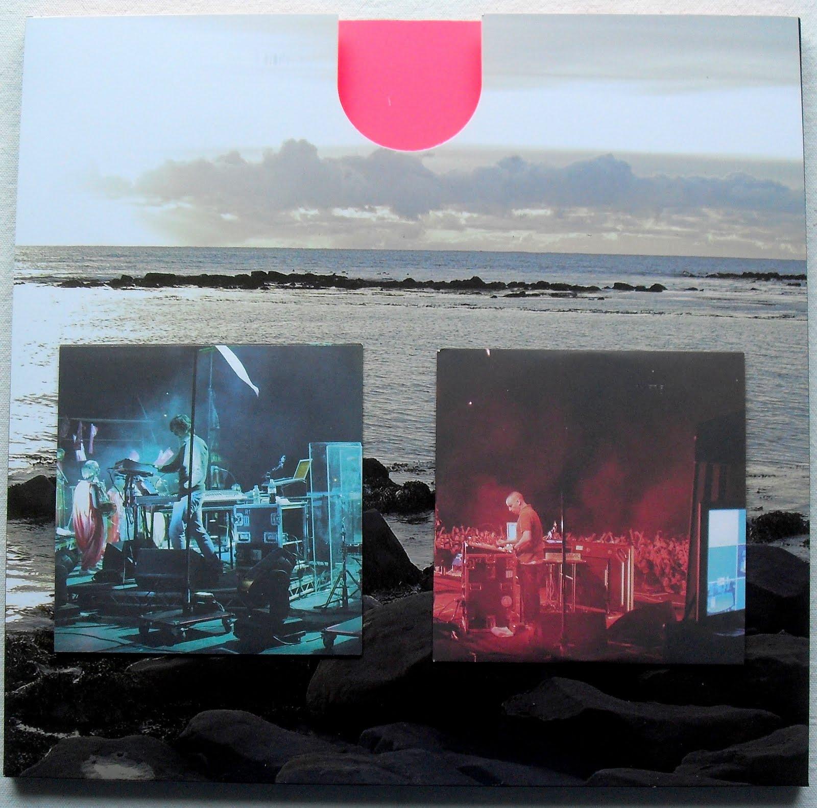 http://2.bp.blogspot.com/-qA4aHEcYI4Q/TgNX06VAu2I/AAAAAAAAEjY/GAbc98bRr4M/s1600/BJORK+Voltaic+2009+LImited+Edition+Double+Vinyl+DVD+CD+Box+Set+LP+Record+Album+H.JPG