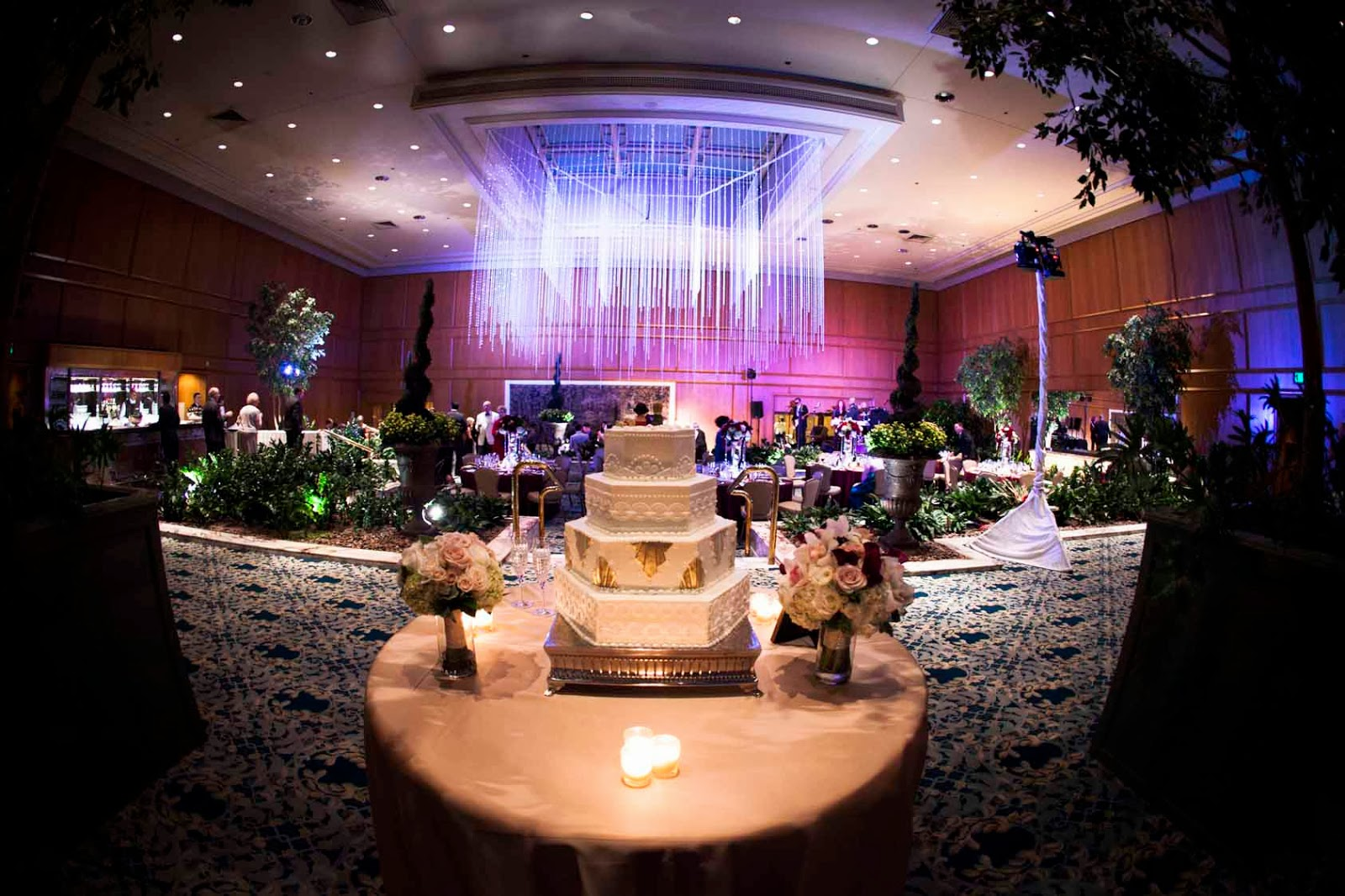 Elegant fall wedding at the fairmont olympic hotel seattle for Design hotel wedding