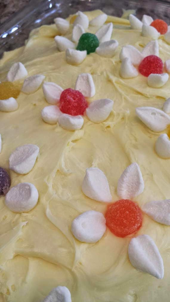 ... mejia: Quick And Easy Marshmallow And Gum Drop Flower Cake Decoration