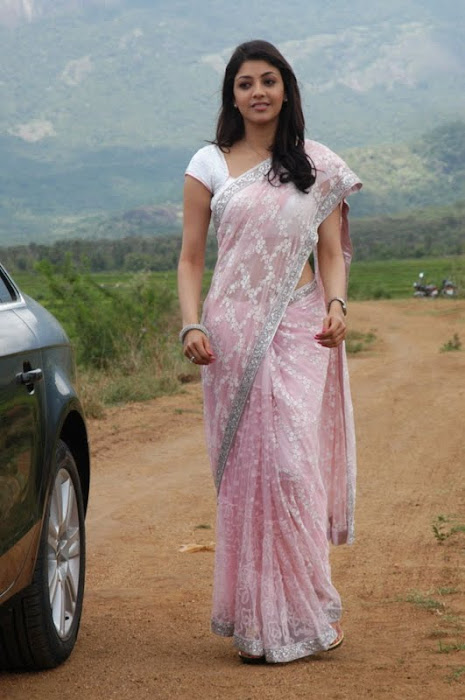 kajal agarwal looking in saree photo gallery