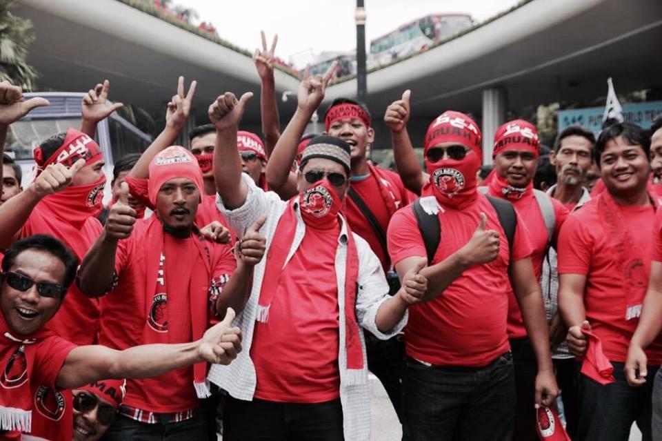baju merah 3