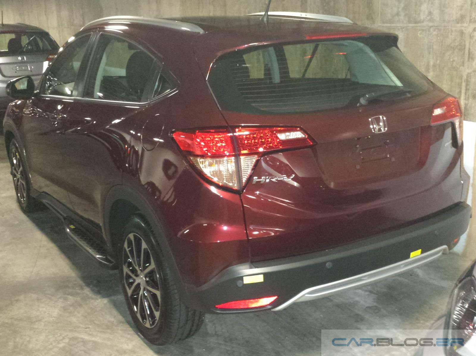 Honda HR-V EXL com personalização